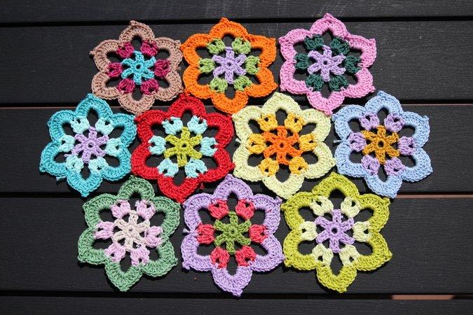 crochet pattern saucer, table runner \