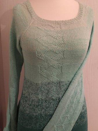 check out 06dd5 ffb36 Verena Rvo - anfängertauglicher Pullover mit dezentem Muster