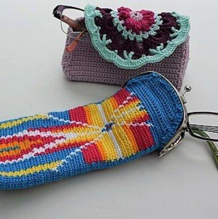 Brillen Etui Granny und Tapestry, gehäkelt