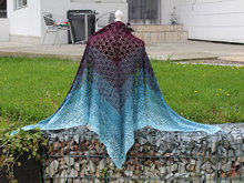 Juno - triangle lace shawl (knitting)