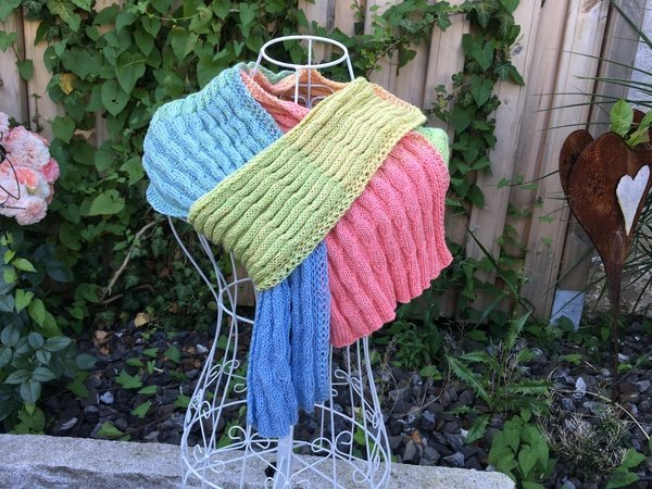 "Schal ""UNIVERSELL"" aus 1 Woolly Hugs Bobbel-Cotton gestrickt"