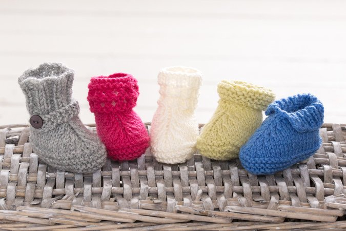 Super Easy Knitted Baby Booties