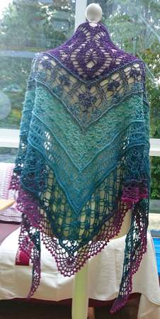 Cala Saraina - Triangle Shawl