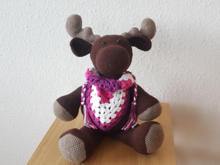 Søren, the giant Moose with scarf, 30 cm high (English)