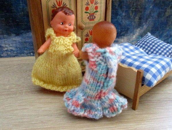 Puppenkleidchen für kleine Püppchen der Größe 20-25 cm Puppen & Zubehör Puppenkleidung