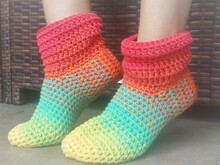 "Crochet Pattern ""Oma Mine"" slipper"