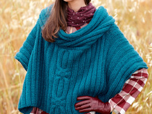 Strickcape Demna