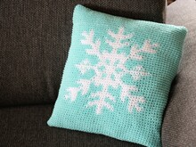 "crochet pattern pillow cover ""snowflake"" with tapestry"