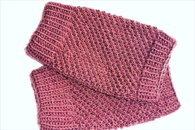 Stulpen oder Pulswärmer gestrickt mit zwei Mustern