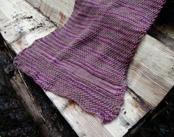 "Rectangle Stole knitting pattern ""Land of Plums"""