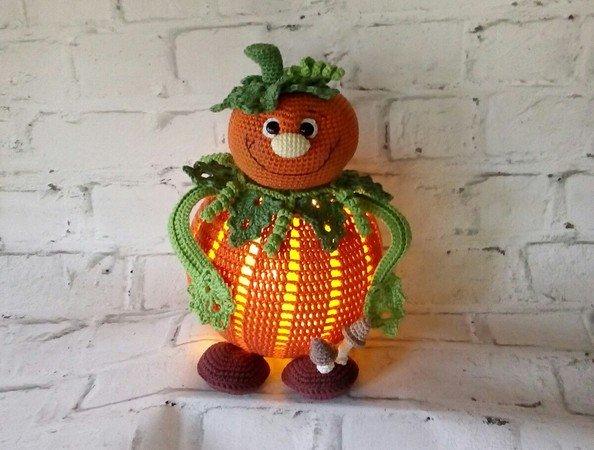 Kürbis häkeln // Herbstdeko // Lampe häkeln