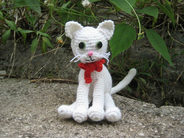 Pattern White cat amigurumi