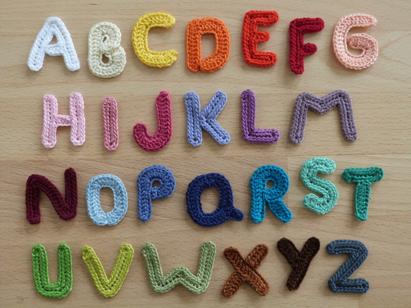 Crochet pattern for alphabetic characters, letters from A to Z