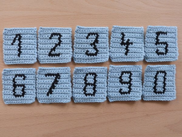 Crochet pattern for integrated numbers