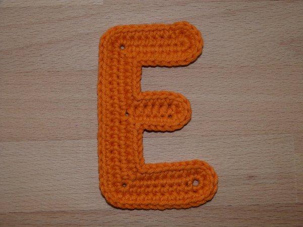 Häkelanleitung für eine große Buchstaben-Applikation \