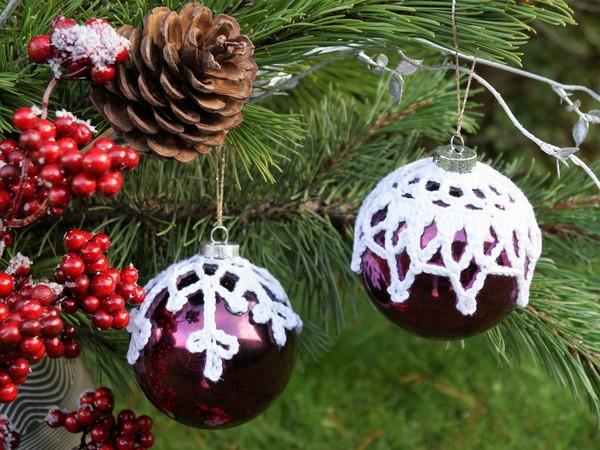 Häkelanleitung Weihnachtskugeln umhäkeln