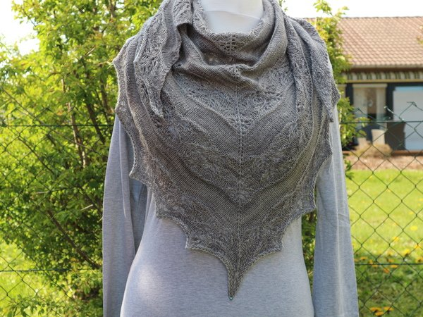 "Knitting pattern shawl ""Special Love"""
