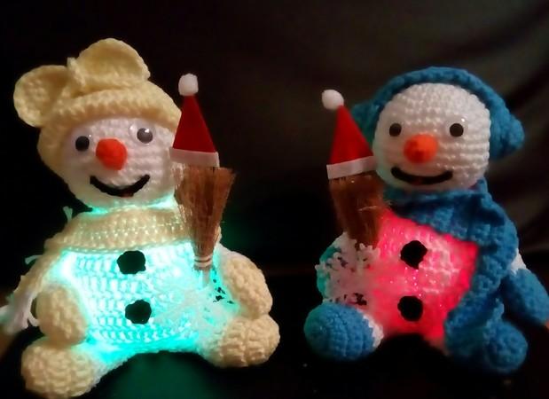 Leuchtender Schneemann Mit Led Kugelbauch