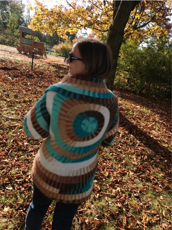 Knitting pattern for a circle jacket