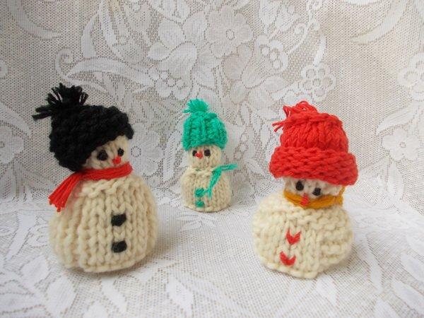 Strickanleitung für Schneemann-Familie, 3 kleine Puppen/Figuren ...