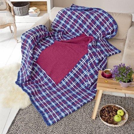 plaid und kissen im schottenkaromuster. Black Bedroom Furniture Sets. Home Design Ideas