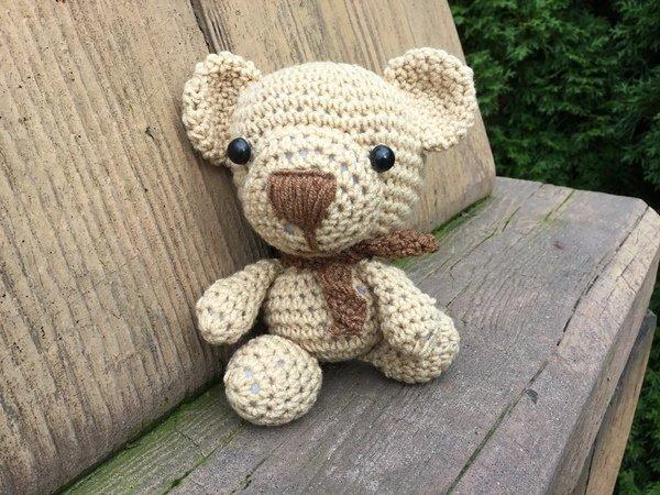 Amigurumi Teddy Bears : Amigurumi teddy bear crochet pattern
