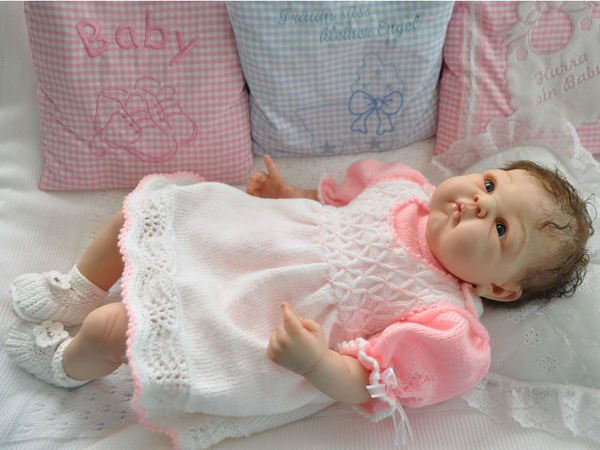 strickanleitung babykleid paris 3 teilig gr 56. Black Bedroom Furniture Sets. Home Design Ideas