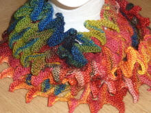 Loop, gestrickt in Zackenlitzen-Optik