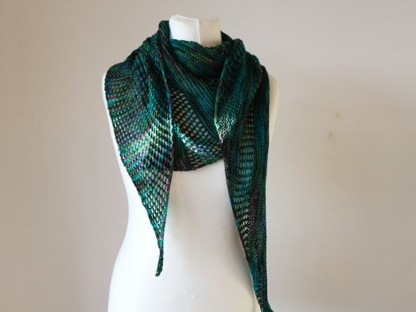 "Knitting pattern shawl ""Soraya"""