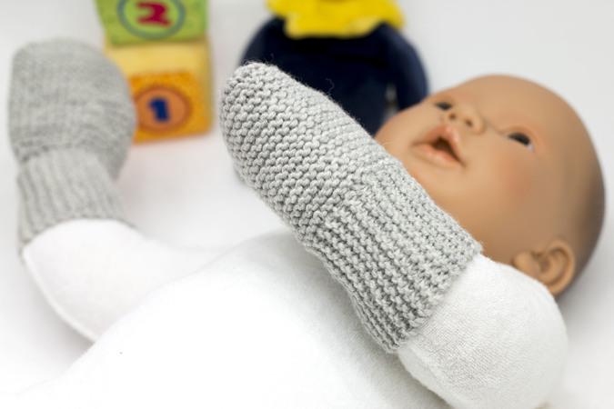 Babyhandschuhe Stricken Genial Einfach Ohne Nadelspiel