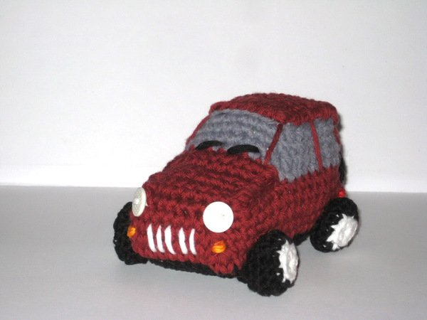 Maroon car crochet pattern
