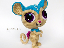 Amigurumi pattern for crochet sweet brown mouse.