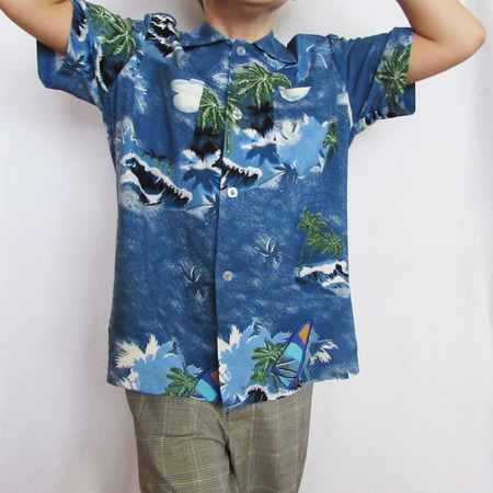 Shirt for boys and girls. Long and short sleeves. Sizes: 1-8 to fit children 1 to 8 years old.