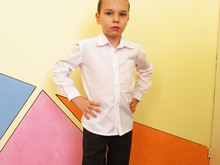Shirt for boys and girls to fit 1 to 8 years.