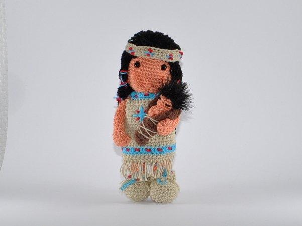 Indianermädchen mit Baby Amigurumi Häkelanleitung