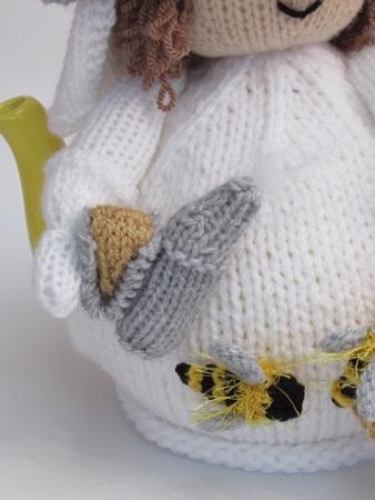 Beekeeper Tea Cosy Knitting Pattern