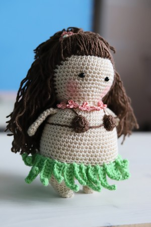 Minion Hula Crochet Pattern, Crochet Minion Hawaii Girl | 450x300