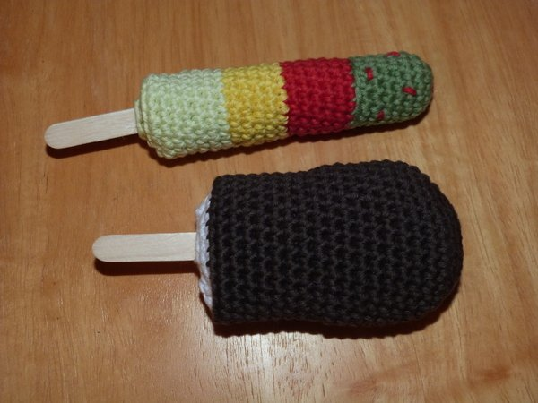 Crochet pattern for ice-cream, 3 types: popsicles and cone wíth ice cream scoops