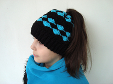 Messy bun hat pattern Winter beanie with hole for hair