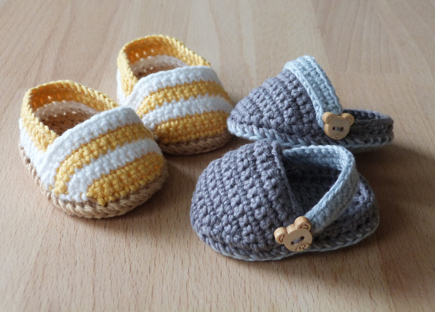 Crochet pattern for cute doll's espadrilles and clogs