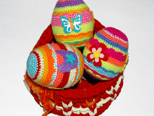 Amigurumi pattern for Easter Colorful Eggs. Crochet easter souvenir