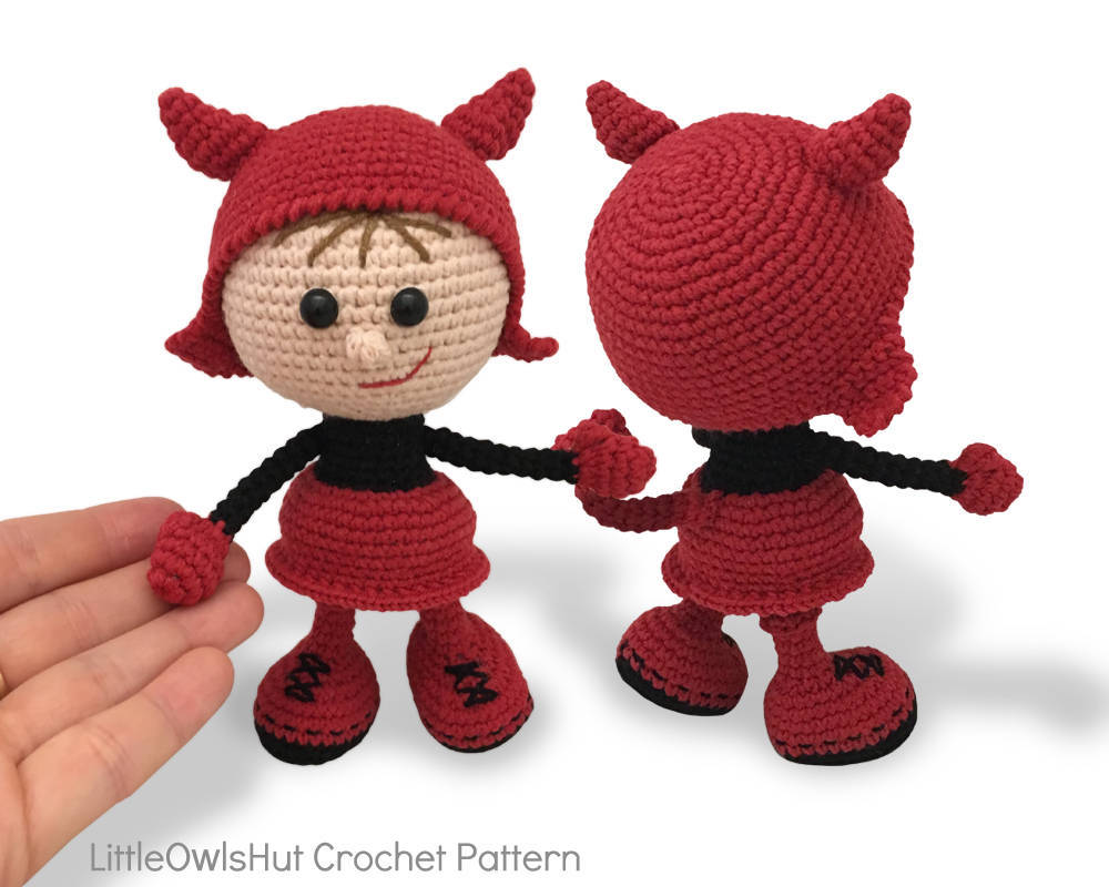 Amazon.com: Halloween Girls Amigurumi Crochet Pattern (Easy ... | 800x1000