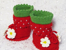 Knitted Booties-strawberries,baby knitting pattern,warm boots,warm baby booties,crib shoes.