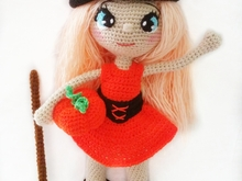 Crochet pattern of Annie, the little witch PDF english-deutsch-dutch doll XL