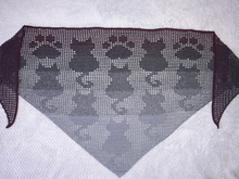 "Triangular Shawl ""Black Cats"""