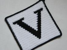 "Letter ""V"" Potholder Crochet Pattern - for beginners"