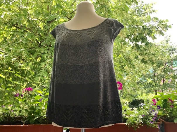 Knitting pattern for a tunic