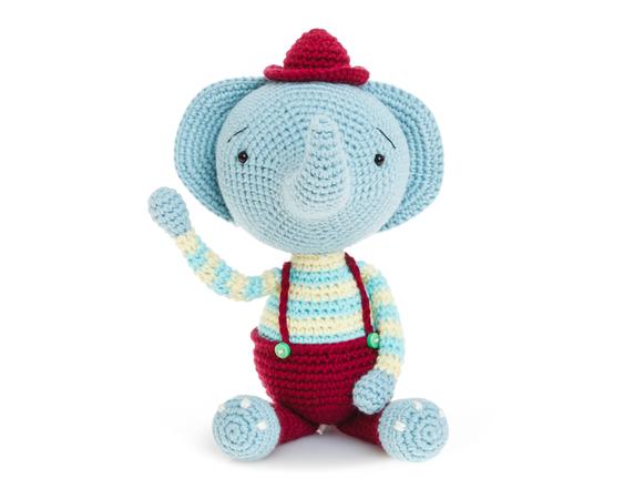 Elephants In Love | Free Crochet Pattern | Hooked by Kati | 450x563