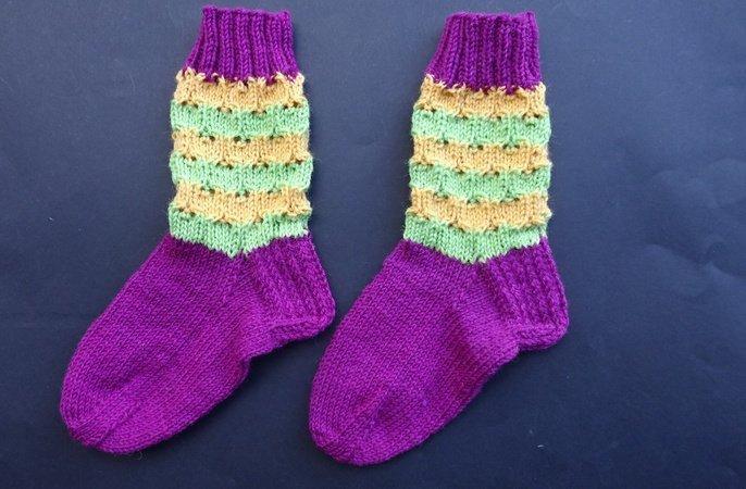 strickanleitung fr socken mit rundem muster fr gr 3839 - Muster Fur Socken