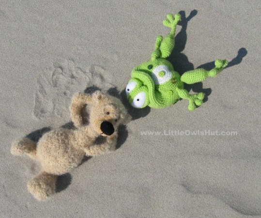 013 Crochet Pattern - Frog Kvolya toy with wire frame - Amigurumi PDF file by Pertseva CP